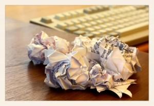 Wichtige Nachrichten landen oft im Papierkorb (Foto: Birgit H./Pixelio.de)