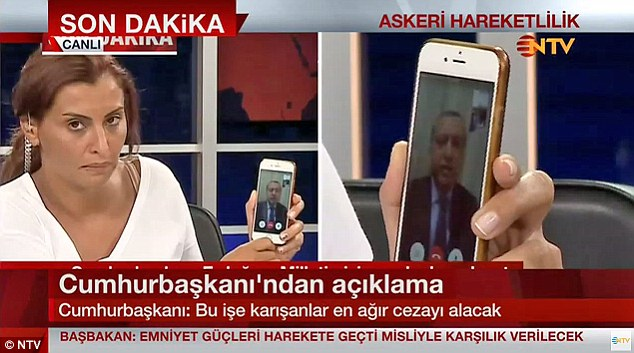 Erdogan_used_FaceTime_to_talk_to_a_journalist